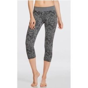 4/$25 FABLETICS Sebastian Floral Seamless Leggings